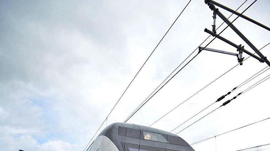 El trayecto Pontevedra-Madrid en tren se recorta en una hora y veintiséis minutos