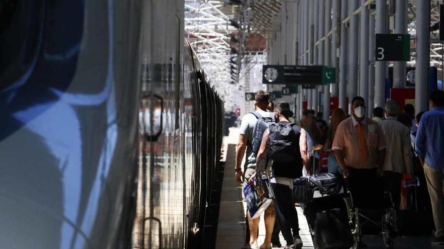Convocadas dos jornadas de huelga este fin de semana en los servicios de Renfe de Málaga