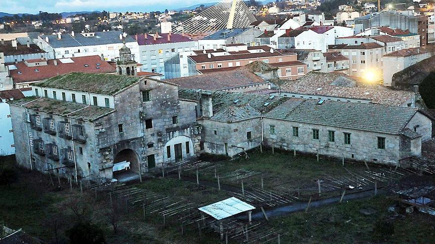 El Concello negocia la compra del convento de Santa Clara y su huerta para darle uso público