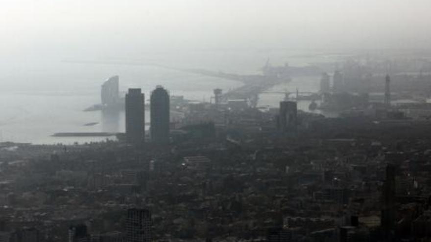 La contaminació augmenta un 20% el risc de patir algun tipus d'ictus