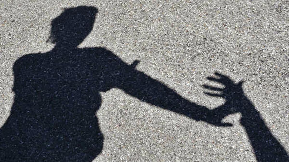 Hände weg! Nur etwa zehn Prozent der Opfer sexueller Gewalt zeigen die Täter auch tatsächlich an.