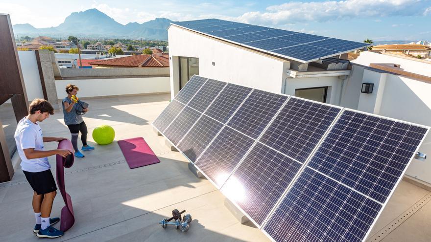 El mejor escenario legal de la historia dispara la fotovoltaica más de un 200% en Alicante