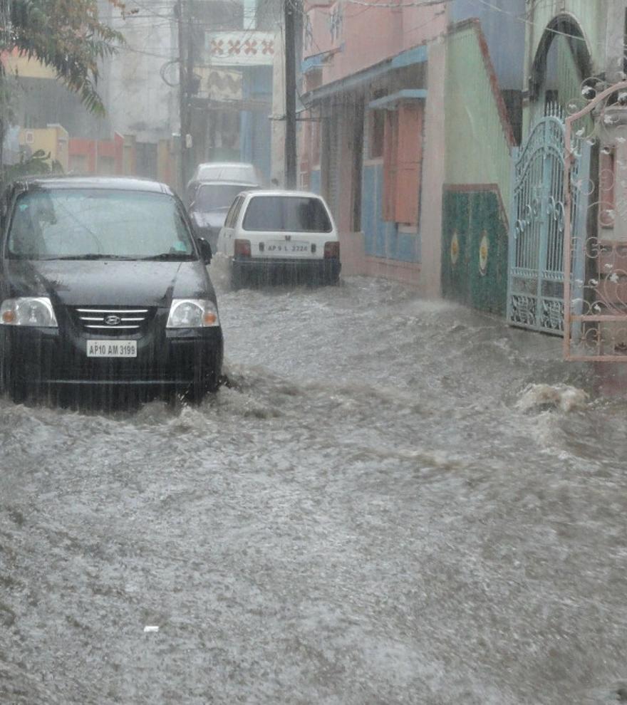 DANA: Qué hacer ante una riada o inundación, según la DGT