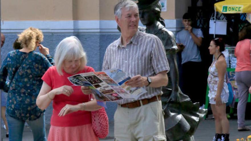 Los turistas dan un aprobado alto a la oferta cultural canaria