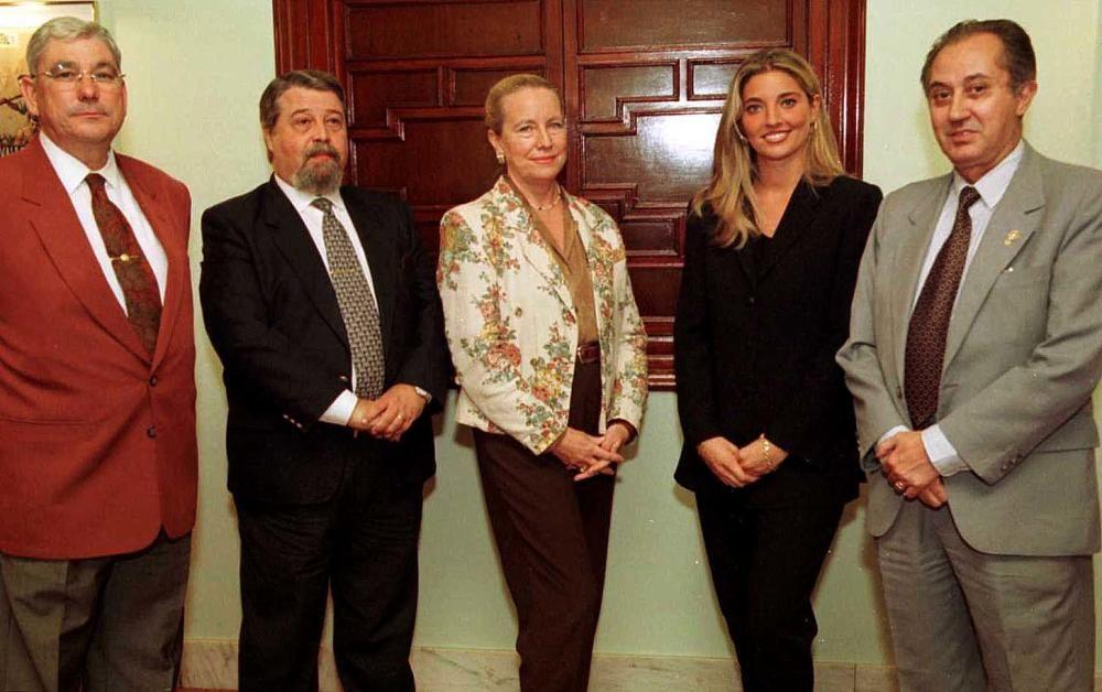 Jurado de la corte mayor de 1998, que este año estrenó la fórmula de reunirse con las candidatas durante toda una semana.