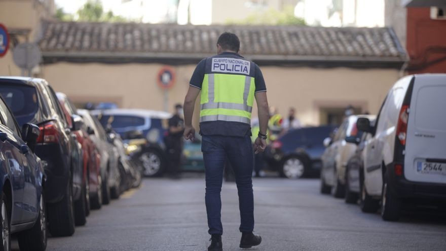 Alarma al escuchar de nuevo detonaciones de noche en Son Gotleu