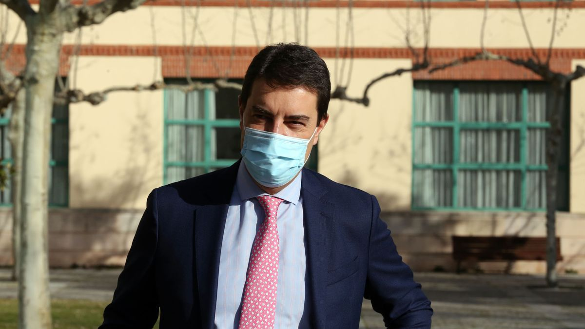 El consejero Ibáñez, antes de ofrecer los datos económicos en Castilla y León hoy, miércoles.