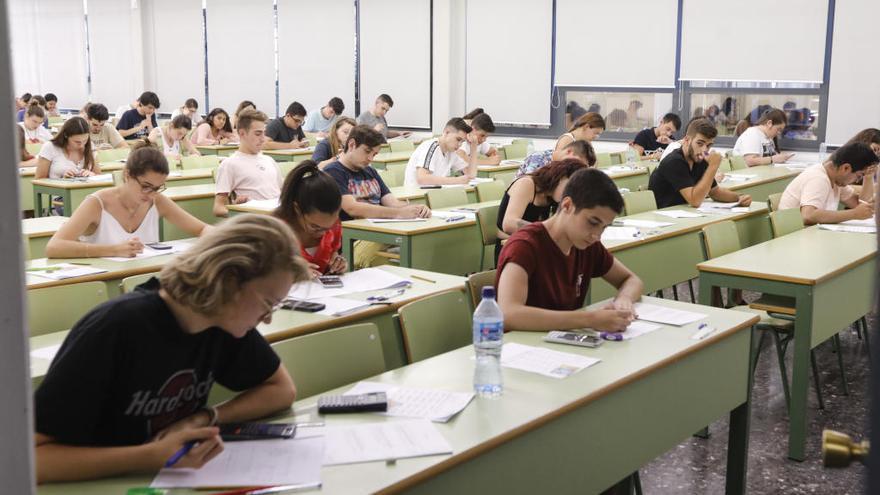 Los rectores universitarios estudiarán si hay diferencias entre los exámenes de la PAU
