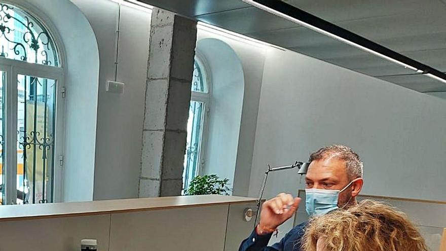 El Concello instala dispositivos para atender a personas con pérdida de oído