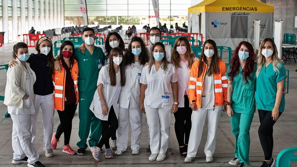 Foto de familia del equipo de enfermería en Ifeza.