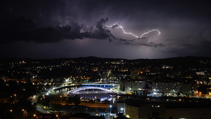 Media Galicia en alerta naranja por tormentas y lluvias: casi 7.000 rayos en seis días