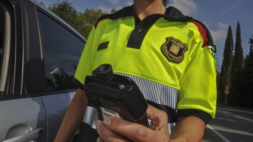 Denunciats penalment per conduir sense permís, beguts i drogats a Fornells de la Selva i Camprodon
