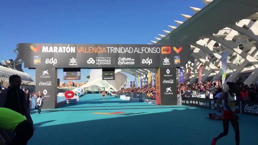 Ashete Dido vence el Maraton Valencia en féminas con récord
