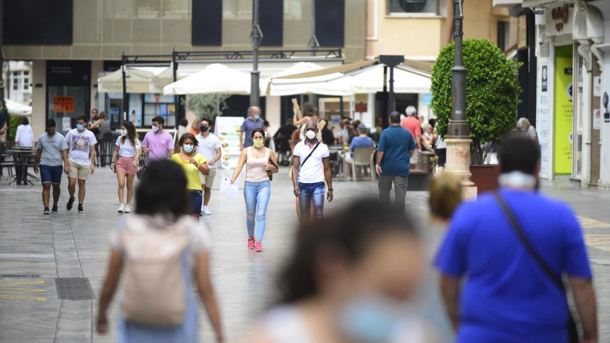 Salud pide a la población que se 'autoconfine' durante un mes