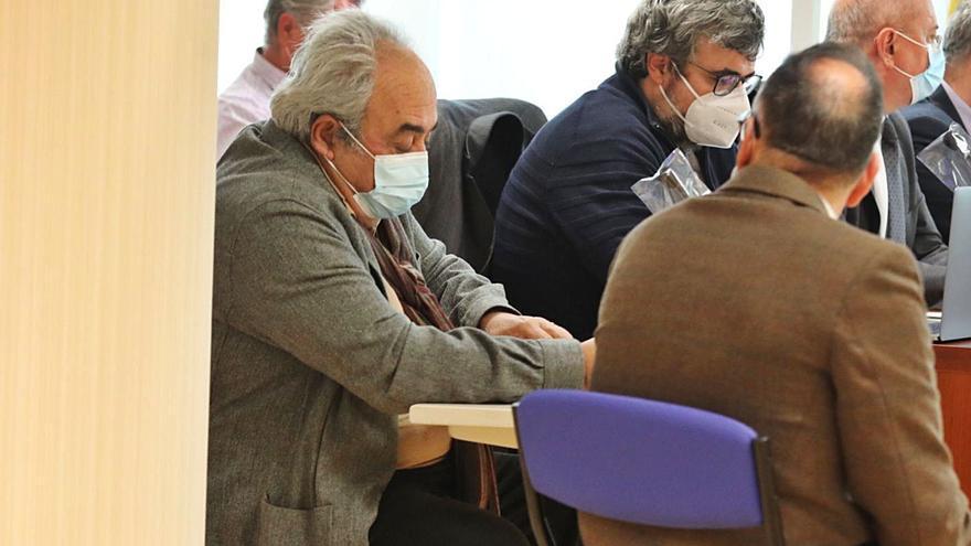 El exalcalde de Bigastro vuelve al banquillo acusado de quedarse con 70.000 euros