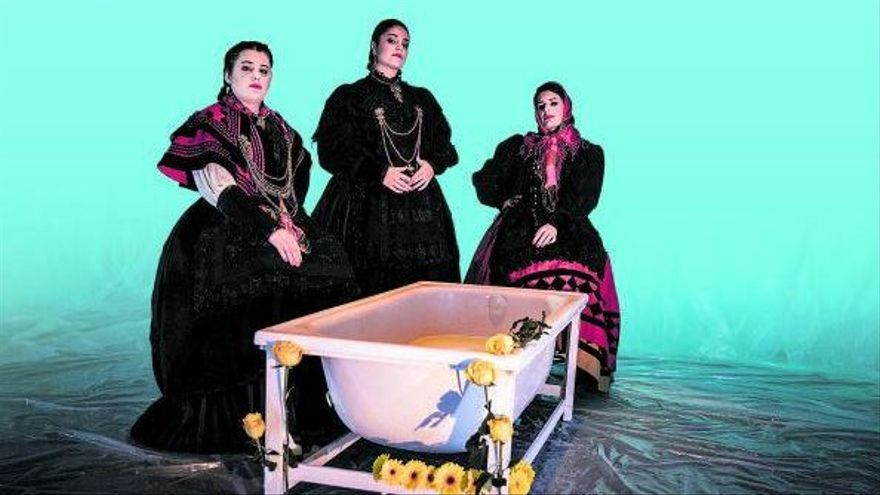 La història de tres dones que volien tocar la pandereta i passar-ho bé