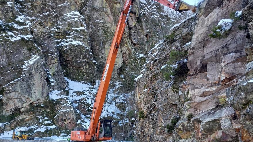 Más de un millón de euros en obras de urgencia por derrumbes y cortes de vías en Asturias tras el temporal