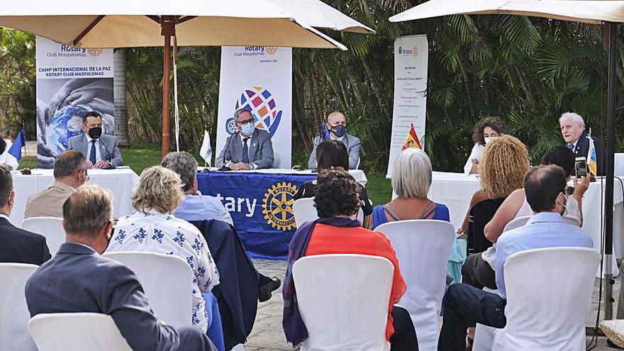 El campus internacional de Rotary  se centra en la economía local