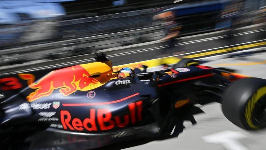 Ricciardo domina los libres y Alonso termina octavo