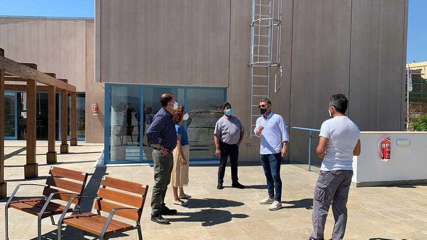Alhaurín de la Torre estudia la instalación de placas fotovoltaicas en edificios municipales