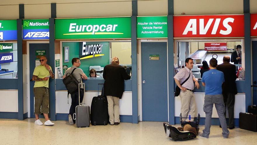 La falta de turistas extranjeros en España ahoga al sector de alquiler de coches