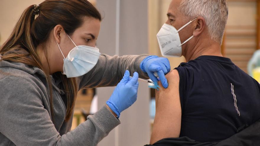 5.000 personas se vacunan hoy en El Toscar de Elche