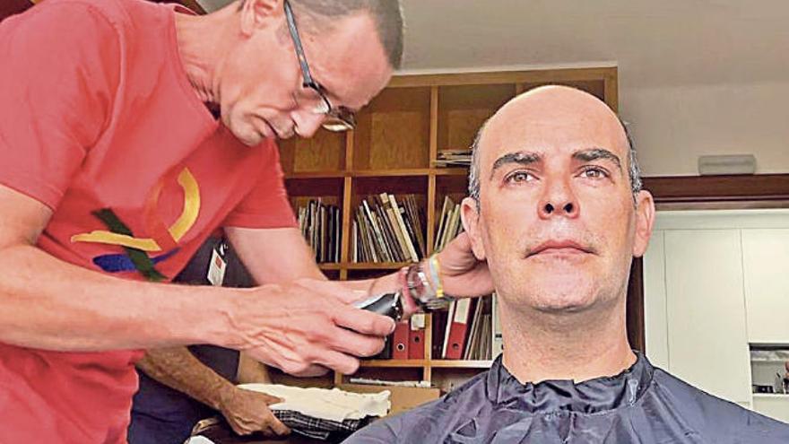 César Manrique, pelo a pelo
