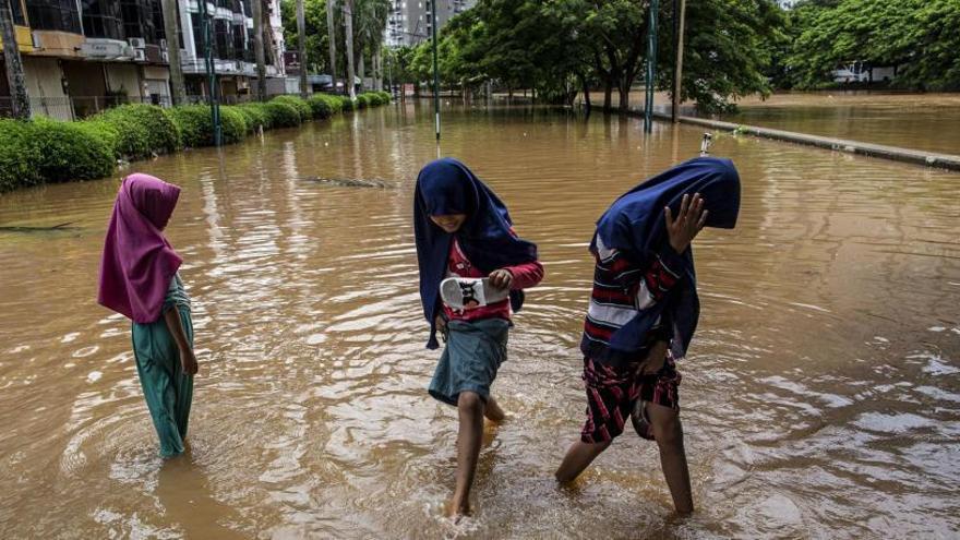 Las inundaciones que asolan Sumatra dejan nueve muertos