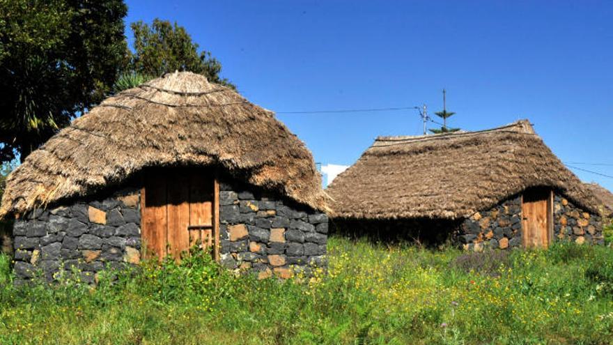 La Orotava trabaja para evitar la desaparición de los últimos pajares de las medianías