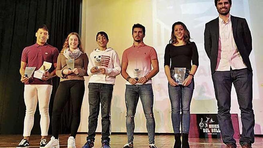 La Balear premia a sus nadadores más destacados