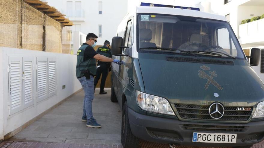 Desmantelan una banda que traficaba con ketamina desde Ibiza a Miami