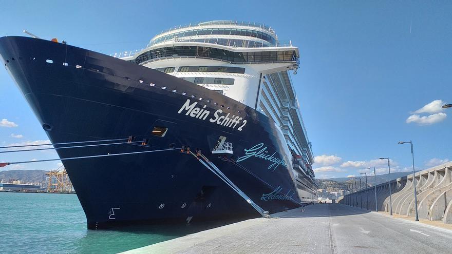Llega el primer crucero a Málaga con un millar de alemanes tras la pandemia