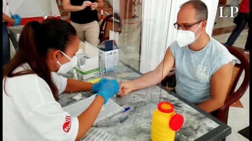 Canarias registra este viernes cuatro fallecidos y vuelve a superar los 200 contagios