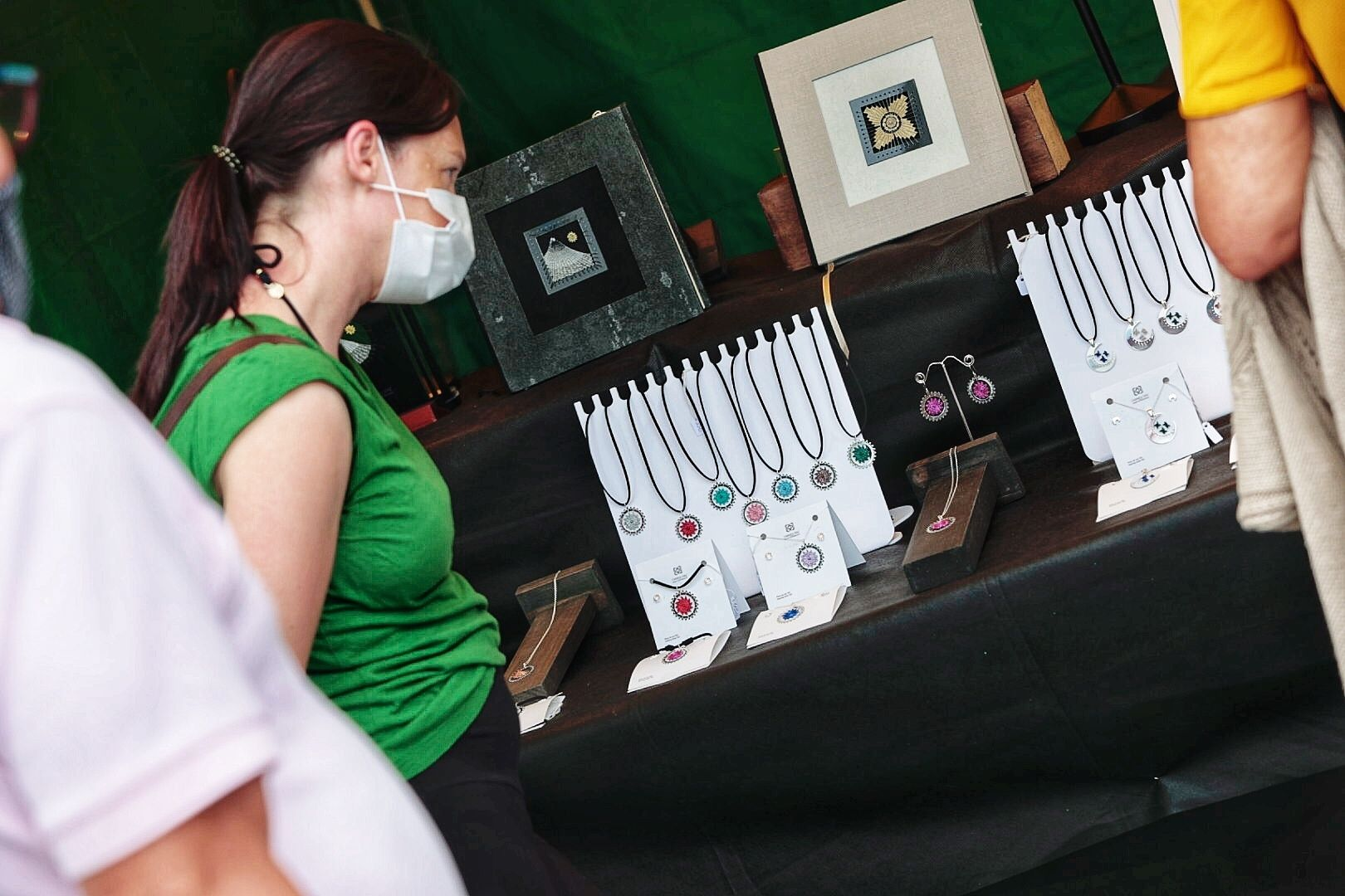 Carmen Díaz, artesana de calado contemporáneo