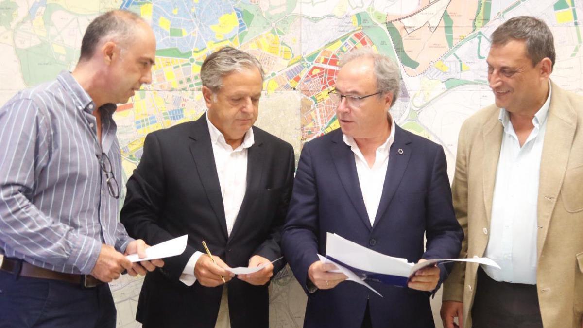 Urbanismo se compromete a poner en marcha la nueva ordenanza para agilizar licencias en 2020