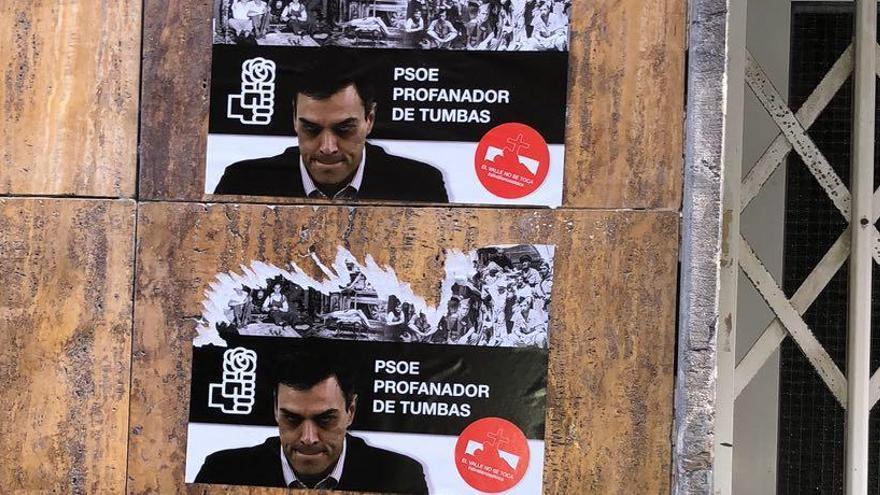 Aparecen pasquines contra la exhumación de Franco en las sedes del PSOE y Podemos