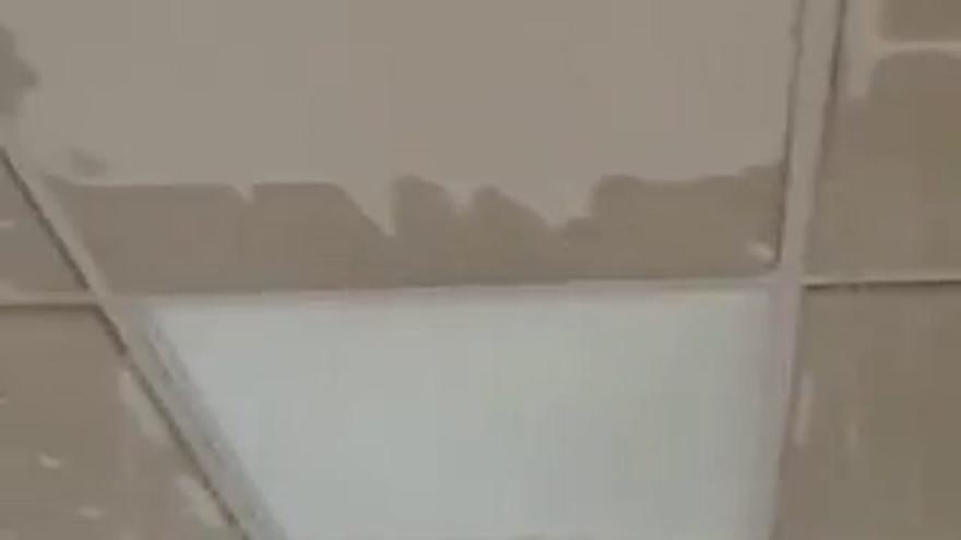 La intensa lluvia provoca daños en la ITV de Mérida