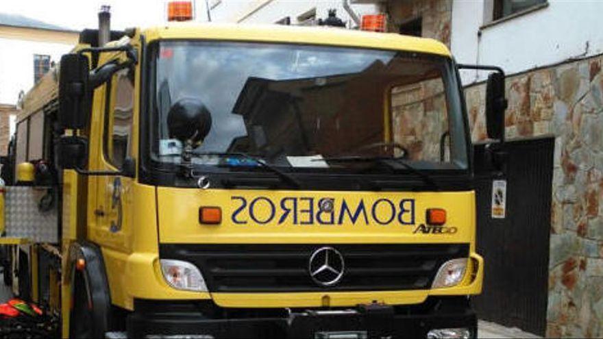Tres intoxicados en Langreo, entre ellos un menor, por inhalar gas de una bombona
