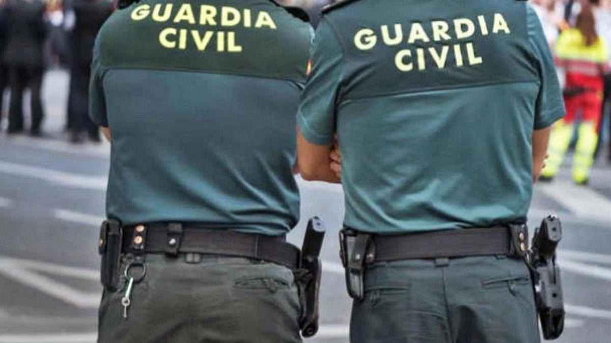 Agentes de la Guardia Civil intervinieron en ambos casos procediendo a la detención de los presuntos autores. | | E.D.