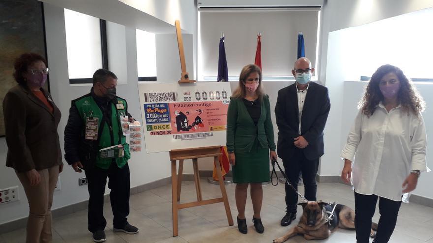 La ONCE dedica un cupón al Día por la Eliminación de la Violencia contra la Mujer con el lema 'Estamos contigo'