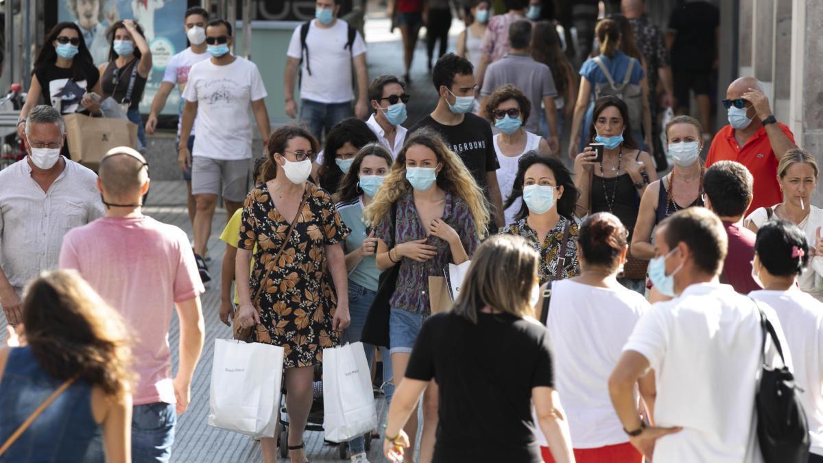 """Puig admite la posibilidad de """"cierres de locales o en zonas determinadas"""" en la Comunitat por el coronavirus"""
