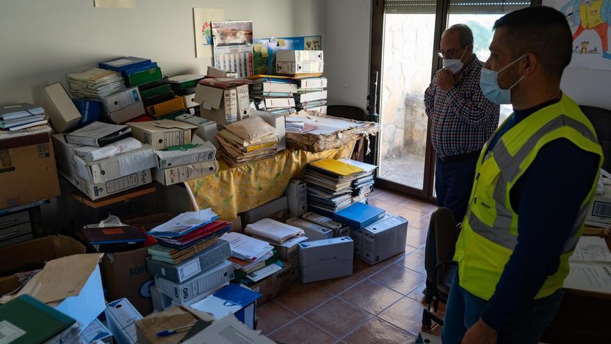 El archivo municipal de Fermoselle, por los suelos