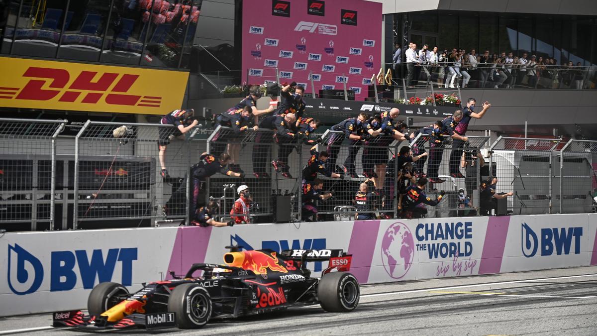 Verstappen gana en Austria.