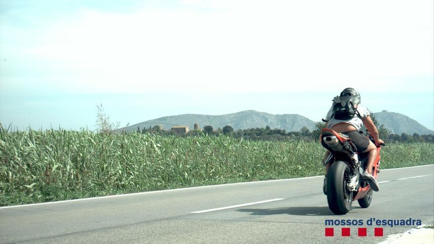 Denunciat un motorista caçat per dos radars de velocitat en deu minuts al Baix Empordà