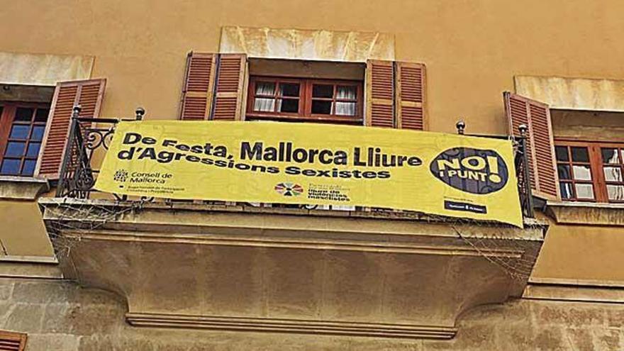 El Consell condena la violación de una joven en el Firó de Sóller