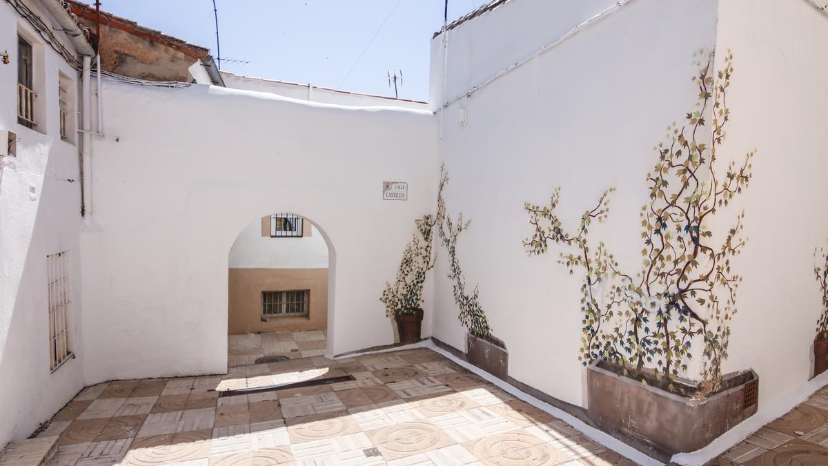 Imagen de un espacio de la calle Castillo, ya renovado.