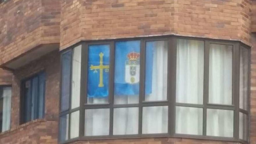Oviedo ya viste de azul