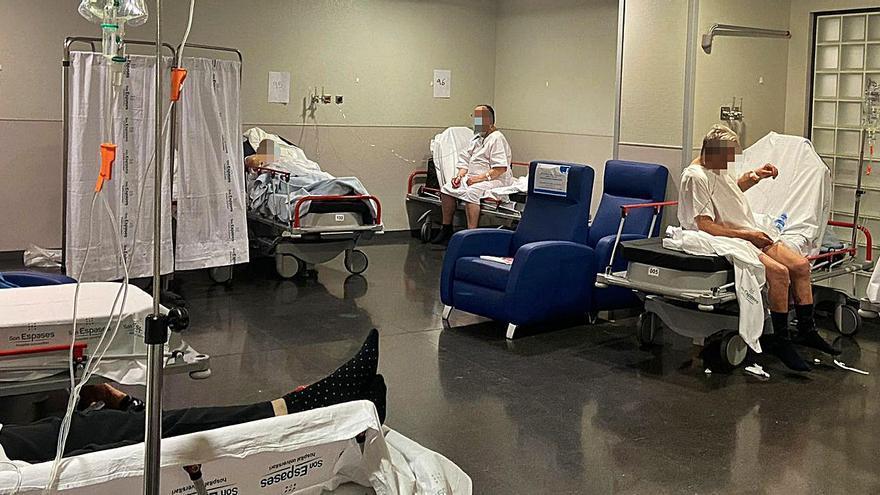 El cierre de camas colapsa las urgencias de Son Espases y les obliga a reabrir 36