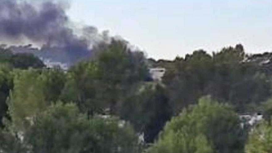 Fuego en una urbanización de Eivissa
