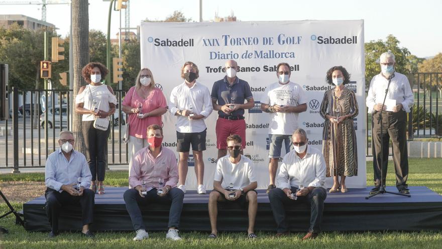 Los ganadores del XXIX Torneo Diario de Mallorca Trofeo Banco Sabadell dan su último golpe